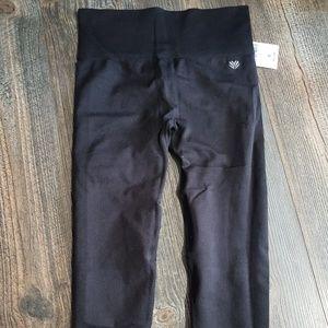 NWT capri forever 21 black leggings